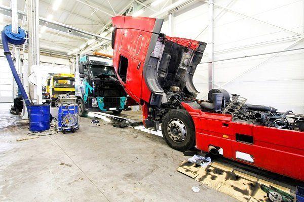 Cabina di camion rilasciata per la revisione