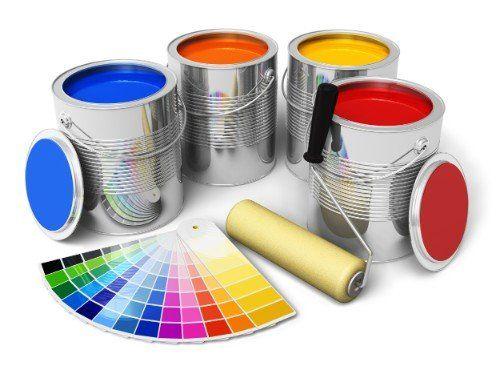 barattoli di vernice, rullo e esempi di colore