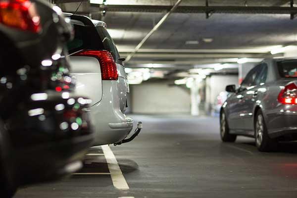 Parcheggio con custodia mezzi a Portici
