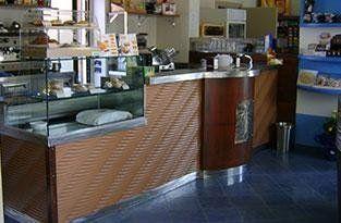 arredamento-bar-in-acciaio