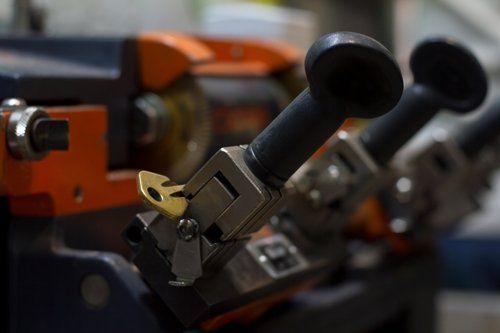 macchinario per la duplicazione chiavi