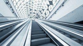 scale mobili, centro commerciale, tetto in vetri