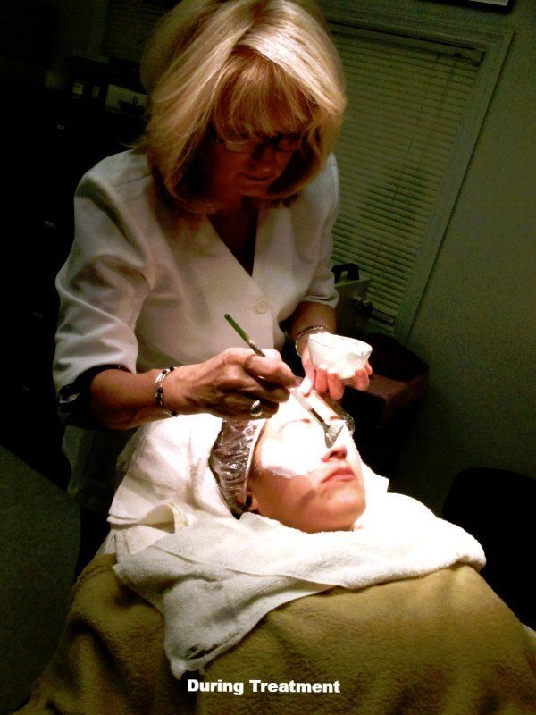 Facial Masque Application Charlotte