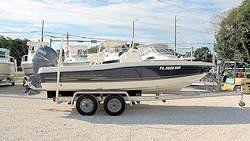 20' HydraSports Bay Boat 2004