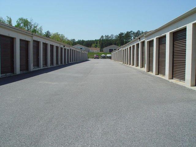 CONVENIENT MINI SELF-STORAGE IN MIDLOTHIAN VA & About - Midlothian VA - Genito Mini Storage
