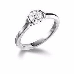 Marvellous Solitaire Engagement Ring