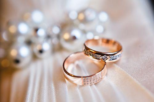 Custom jewelry rings