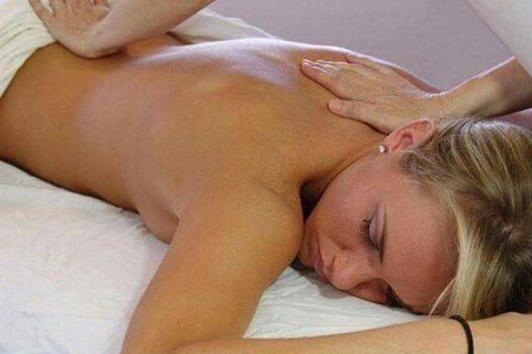 massaggio alla schiena all'Aloha Estetica Benessere in Perugia