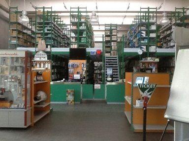materiale elettrico, interruttori, cavi elettrici, spine, vendita all'ingrosso