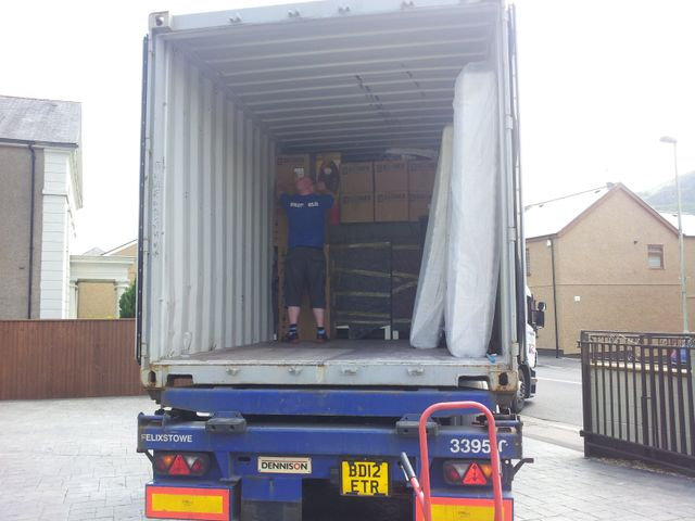 moving to australia - 20ft container - shipping container - moving to perth - moving to sydney - export wrapping - inventory service - international packing service