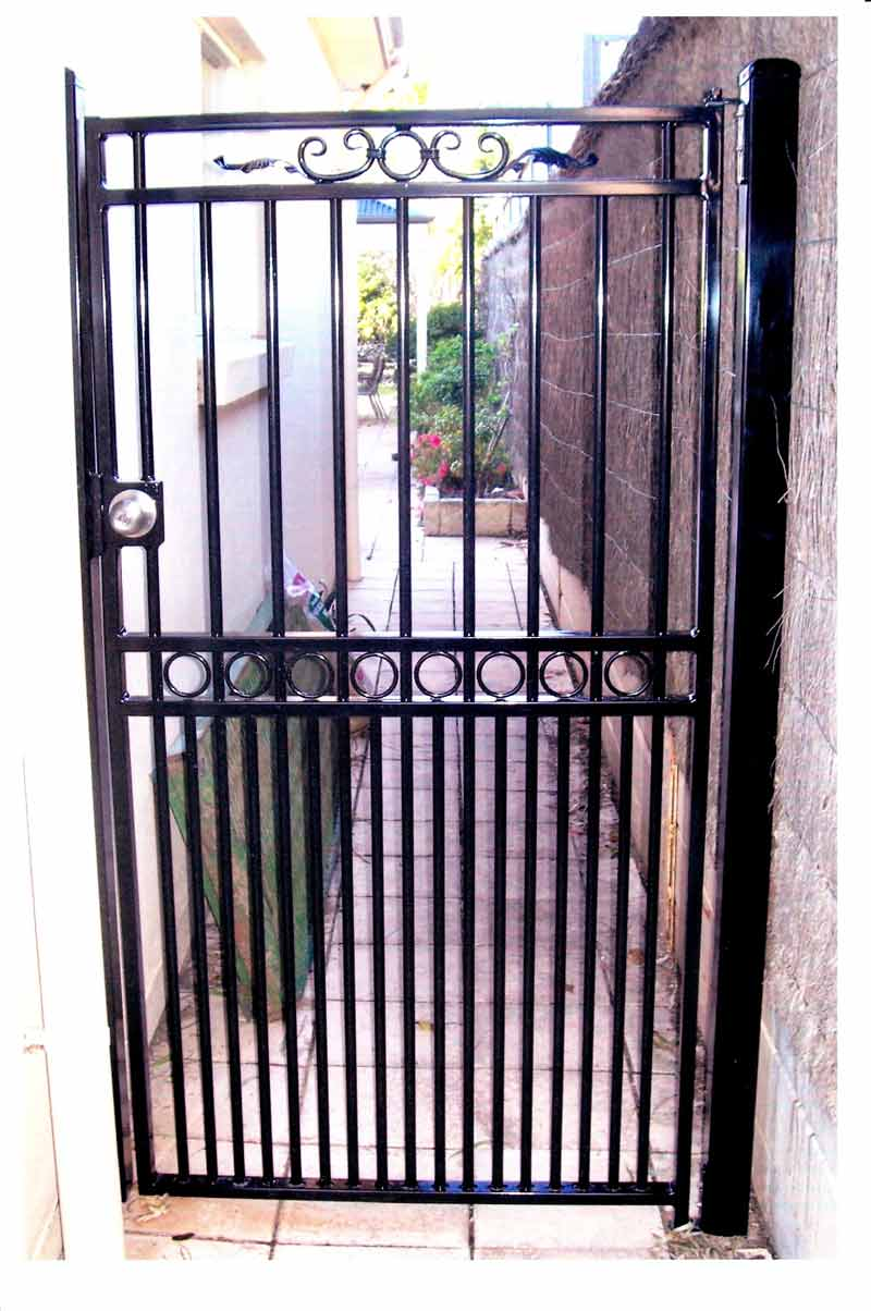 JARDINE SINGLE GATE WITH CHELSEA DETAIL