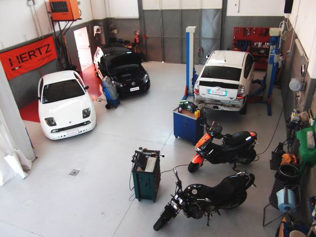 Riparazione di macchine e motobike a Carrozzeria RD Servizio Nichelino (TO )