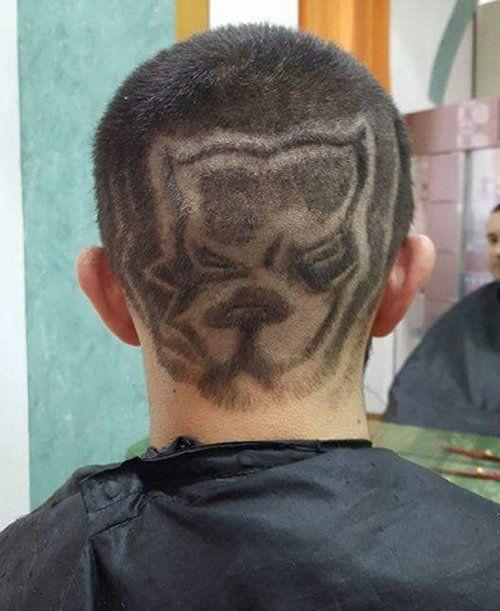 Ragazzo con capelli serigrafati a forma di un pitbull