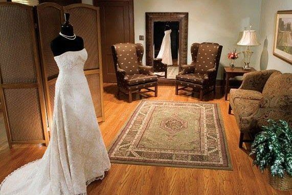Bridal Suite - Vinton War Memorial