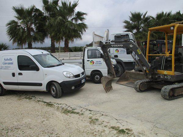 Parco macchine di un'azienda edile