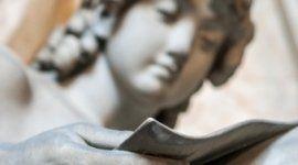 putto in marmo, statua in marmo, statua funeraria