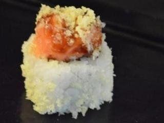 sushi al granchio e salmone