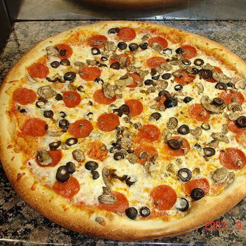 Go to Shaka Sandwich & Pizza restaurant for hoagies and more in Kihei, HI