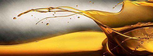 Spruzzi e gocce di olio