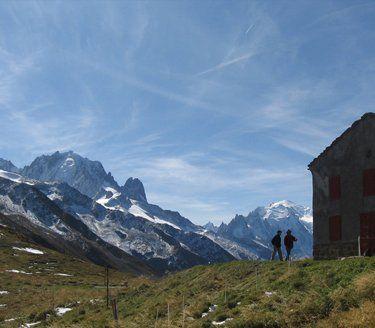 house near the mountain