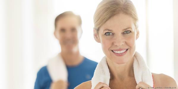 Zahnlücke: Soll sie mit einem Implantat mit Zahnkrone geschlossen werden oder mit einer Zahnbrücke?