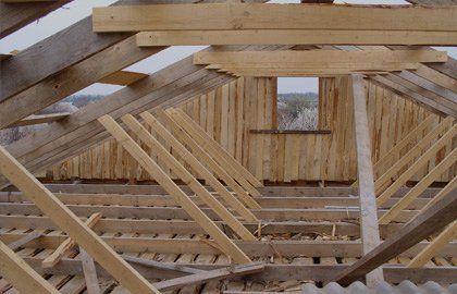 costruzione casa in legno a Monte Scudaio interno pieno giorno