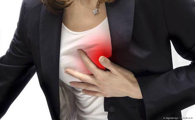 Erhöhtes Risiko für Herzinfarkt, Schlaganfall und andere Erkrankungen durch Bakterien im Zahnbelag. Regelmäßige PZR verringert das Risiko.