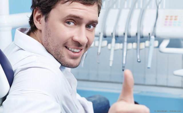 Professionelle Zahnreinigung (PZR) schützt vor Mundgeruch.