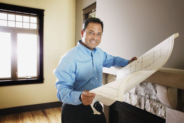 Home remodeling expert consulting plans in Honolulu, HI