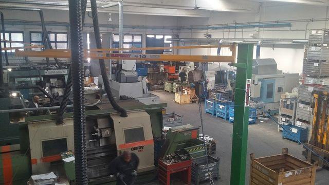 interno officina metalmeccanica