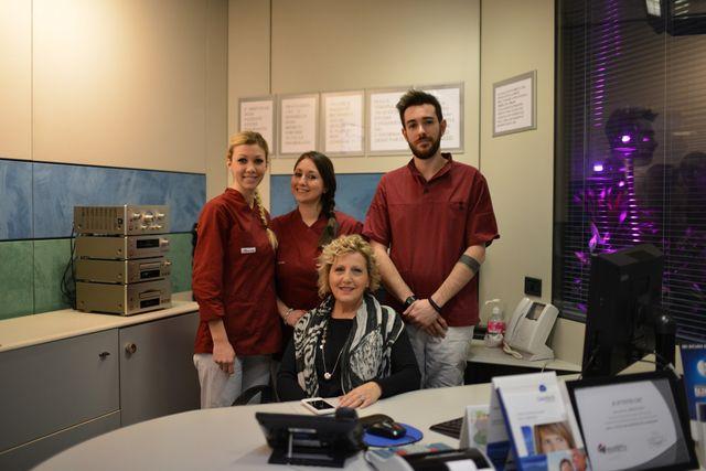 assistenti alla poltrona e responsabile amministrazione