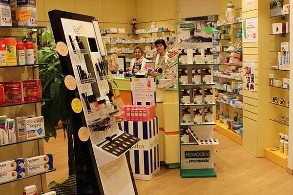 Interno della Farmacia del Sole a Montelupo Fiorentino