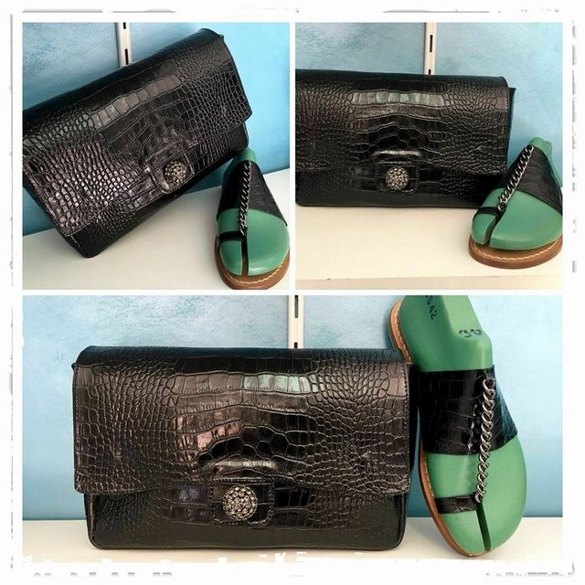 borsetta da donna con sandalo associato