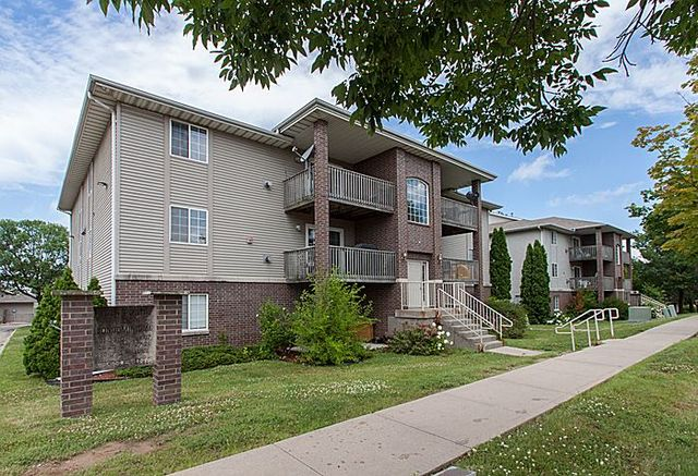 Westside Drive Apartments Iowa City
