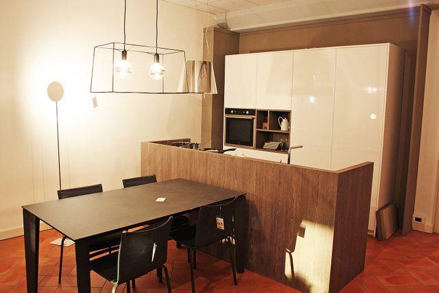 Cucina Arredamento Livorno.Arredamento Su Misura Venturina Terme Campiglia