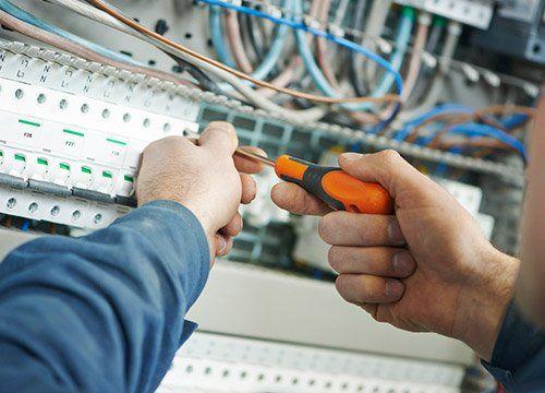 installazione e manutenzione impianti a Electric Service