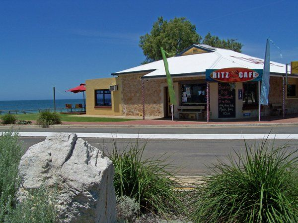 Ritz Cafe and Takeaway Tumby Bay
