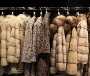 Fur garment cleaning