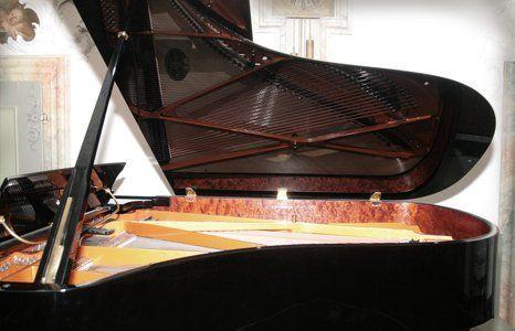 Piano lacquering