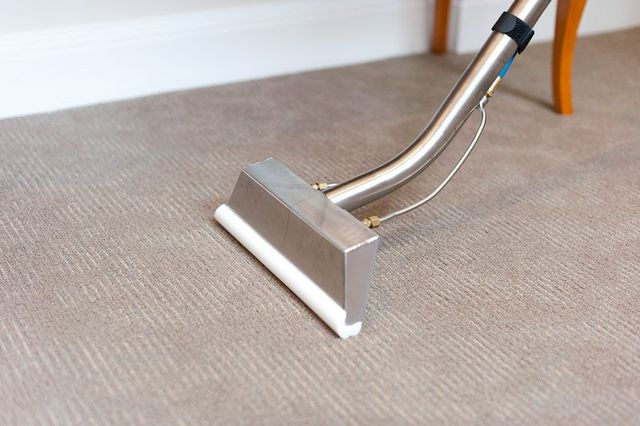 Carpet steam cleaning with professionally method