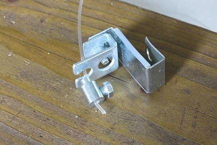 supporto inferiore per infissi in alluminio