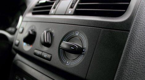 Car AC re-gas servicing