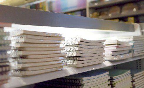Passa in negozio e chiedi informazioni sul servizio di copertura libri scolastici