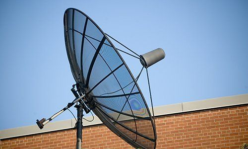 un'antenna satellitare