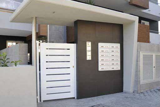 Portone d'accesso a un condominio