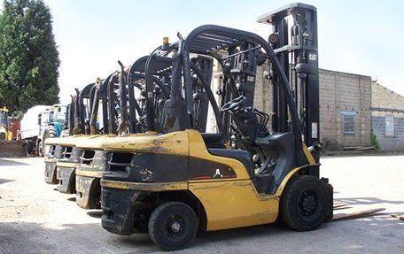 Forklift truck dealers