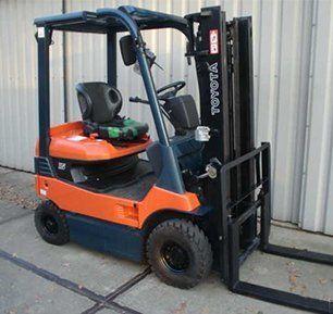 forklift truck rental services