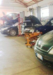 manutenzione auto, riparazione auto, meccanici auto