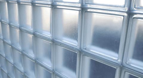 Pareti In Vetrocemento Prefabbricate: Pareti di legno e vetro rappresentazione d illustrazione.