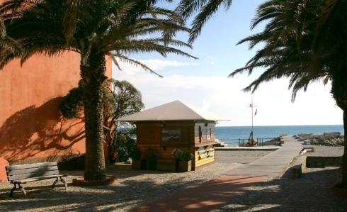 Casa di riposo sul mare - Finale Ligure - Villa Azzurra